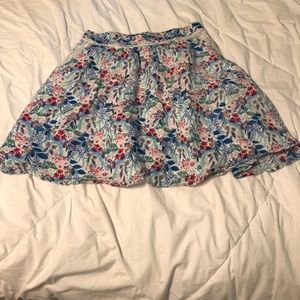 ❤️❤️ 4/$15 Lauren Conrad skirt with pockets